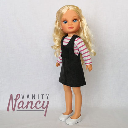 Nancy New con pichi y camiseta